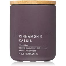 Vila Hermanos Concrete Cinnamon & Cassis 120 g vonná sviečka